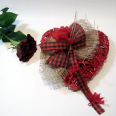 Small Red wooden heart with a red rose / Μικρή κόκκινη ξύλινη καρδιά με ένα κόκκινο τριαντάφυλλο